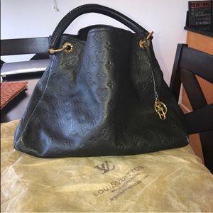 Large Louis Vuitton Purse